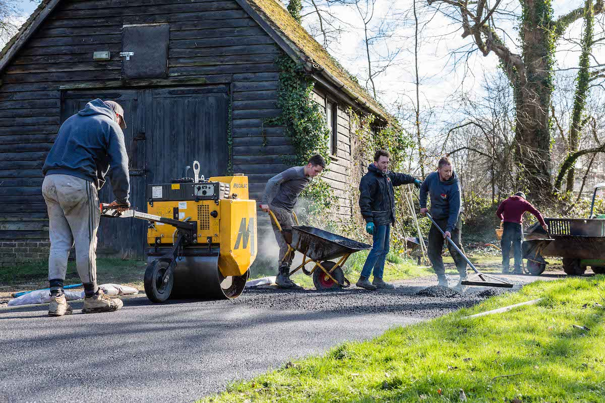 Jack, Zach, Sam & Lorne Tarmacking Driveway | Old Wickhurst Land | SGS Surfacing